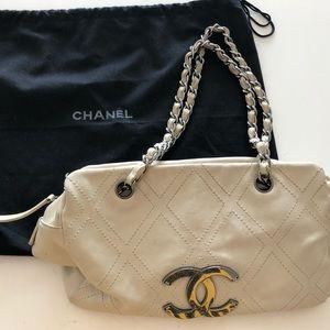 FLASH SALE!Chanel Rare Caviar Medium Shopping Tote